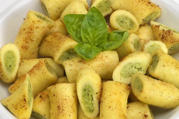Gefüllte Gnocchi Basilikum-Pesto